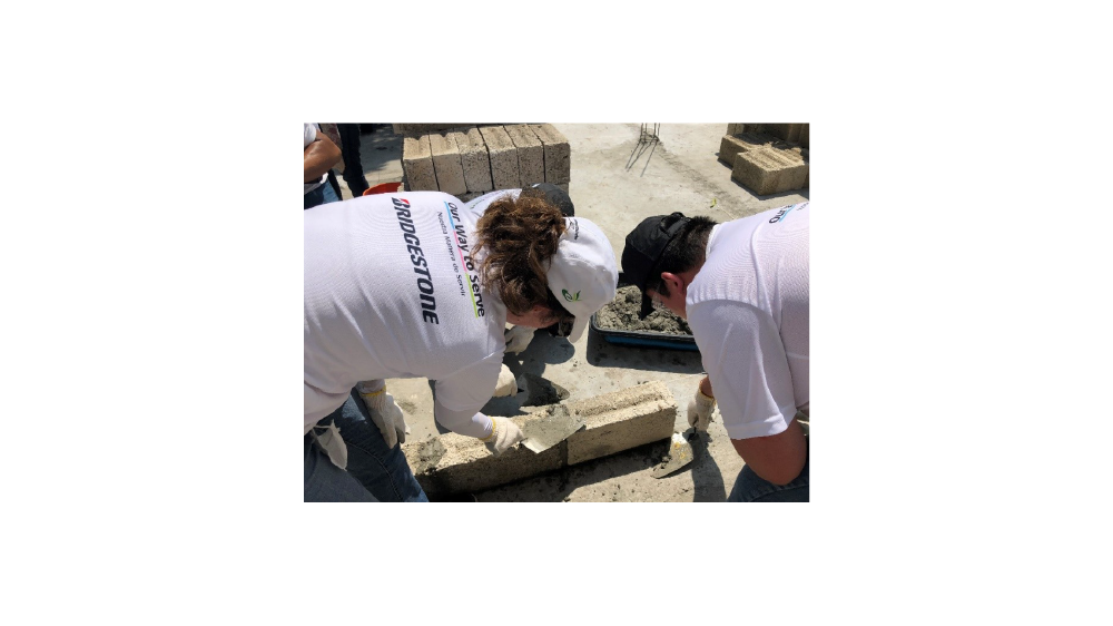 Brudgestone Mexico partners with Habitat for Humanity