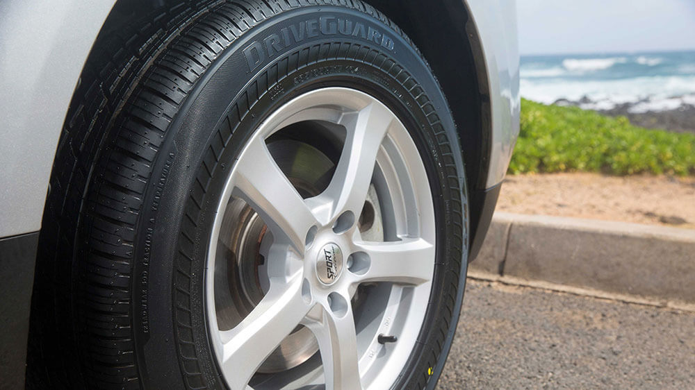DriveGuard runflat tire for family vehicles