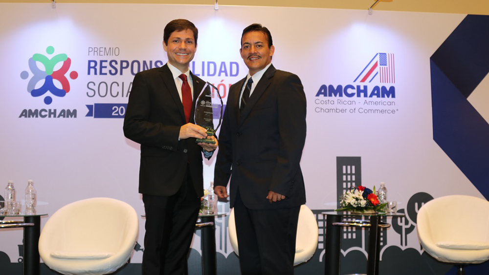 Bridgestone Costa Rica receives the Award Social Responsibility in Action