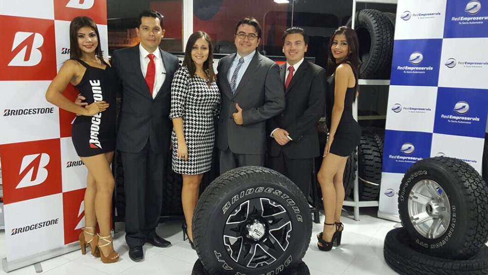 Red Emproservis Distributor celebrates the opening of its eighth Bridgestone Service Center in Ecuador.