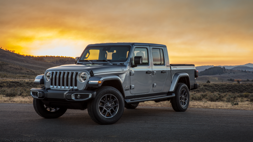 Bridgestone Dueler Tires on new 2020 Jeep